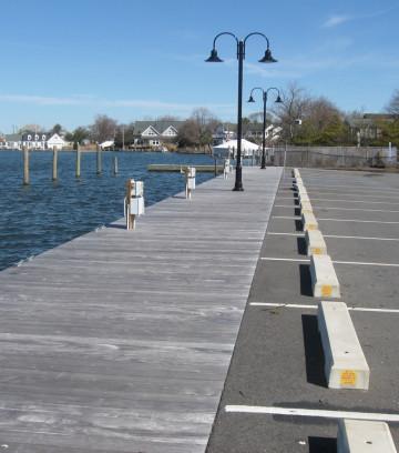 maple_street_dock