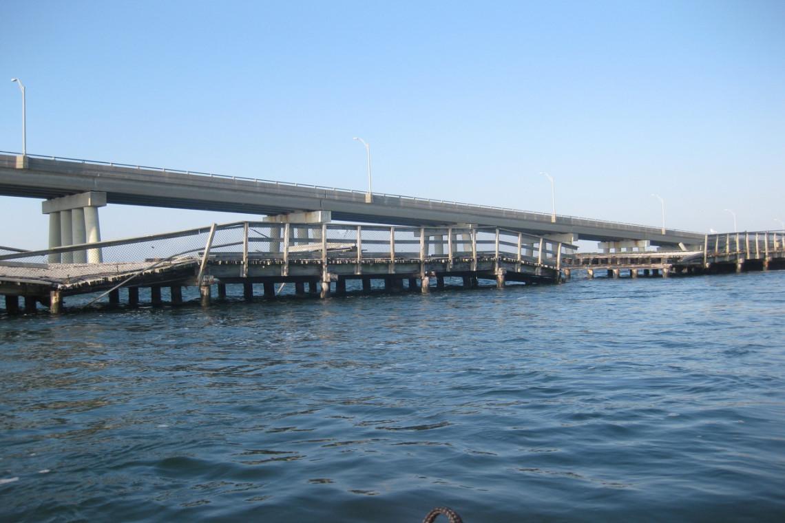Old Ponq Bridge Before
